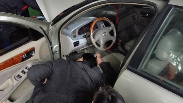 """汽车学院开展了""""汽车电子燃油系统检测""""实训"""